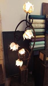 韓紙で作ったランプ